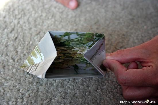 Как сделать сумочку для подарка из журнальных страниц (13) (550x367, 113Kb)