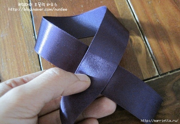 Заколочка для девочки из атласных лент. Мастер-класс (7) (578x399, 147Kb)