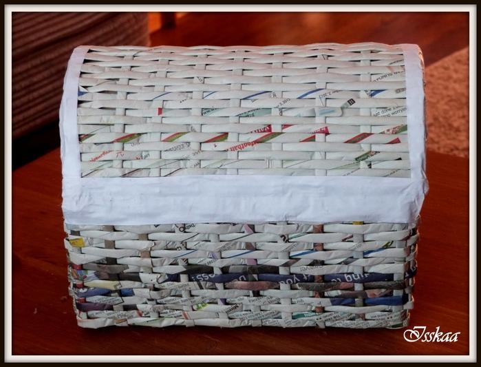 Сундучок из коробки, оплетание газетными трубочками. Мастер-класс (13) (700x533, 257Kb)