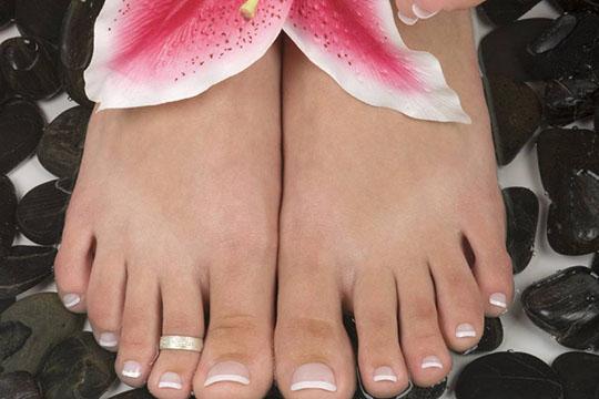 modnyj_pedicure_2012_foto_03 (540x360, 56Kb)