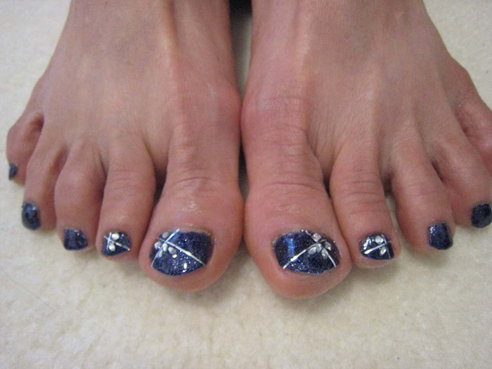 modnyj_pedicure_2012_foto_12 (700x525, 70Kb)