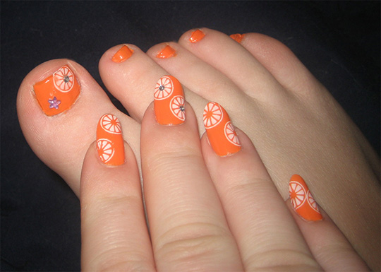 modnyj_pedicure_2012_foto_17 (540x385, 81Kb)
