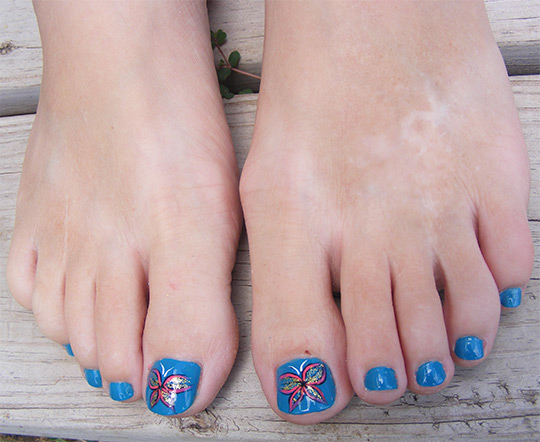 modnyj_pedicure_2012_foto_19 (540x442, 78Kb)