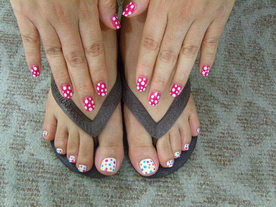 modnyj_pedicure_2012_foto_26 (540x405, 83Kb)