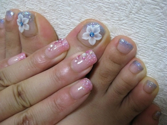 modnyj_pedicure_2012_foto_29 (540x405, 58Kb)