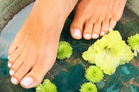 modnyj_pedicure_2012_foto_38 (540x359, 67Kb)