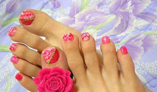 modnyj_pedicure_2012_foto_40 (540x318, 58Kb)