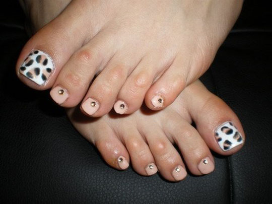 modnyj_pedicure_2012_foto_41 (540x405, 52Kb)