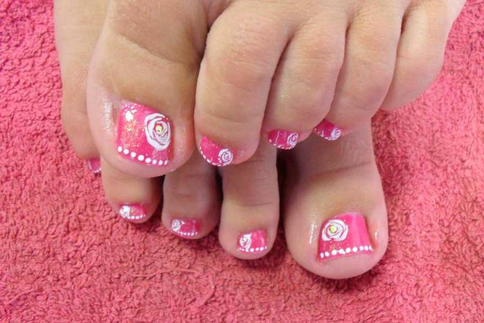 modnyj_pedicure_foto_05 (700x466, 50Kb)