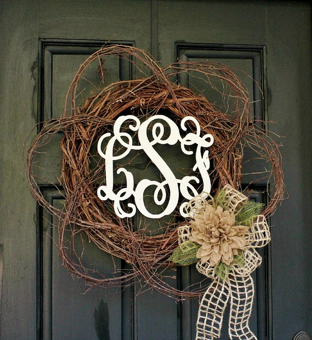 Wood-Monogram-Spring-Wreath (641x700, 190Kb)