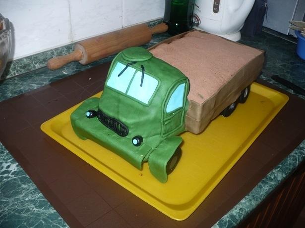 3D торты для мальчика. Автомобили (42) (615x461, 174Kb)