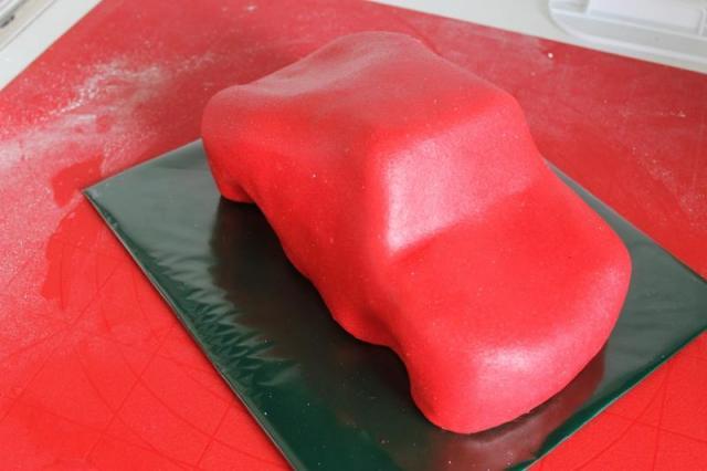 3D торты для мальчика. Автомобили (52) (640x426, 28Kb)