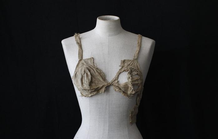 старинное женское белье из замка Ленгберг 2 (700x447, 45Kb)