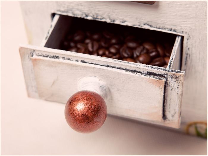 Винтажная кофемолка из картона. Мастер-класс. Супер! (5) (700x526, 100Kb)