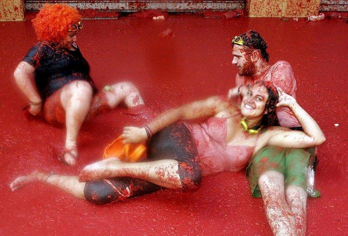 фестиваль ла томатина испания 7 (700x475, 86Kb)