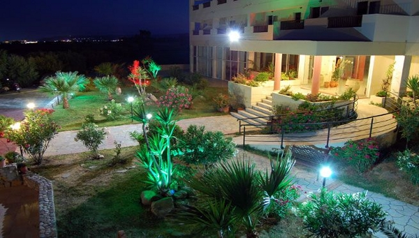 Evripides_Village_Hotel_4 (600x341, 182Kb)