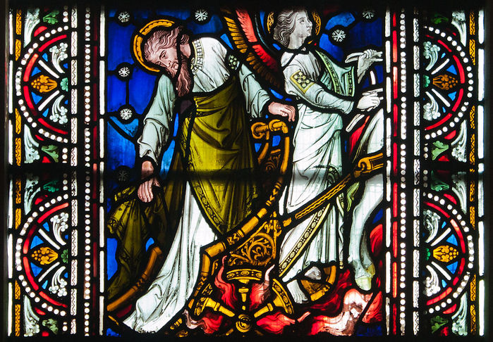 Dublin_Christ_Church_Cathedral_Chapel_of_Laurence_O'Toole_Window_Virgin_and_Child_with_Saint_Luke_by_Patrick_Pollen_Detail_2012_09_26 (700x486, 161Kb)