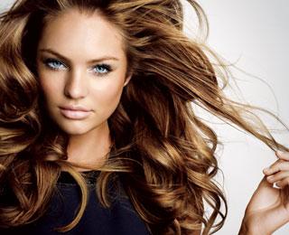 Народные методы ухода за волосами все еще актуальны.