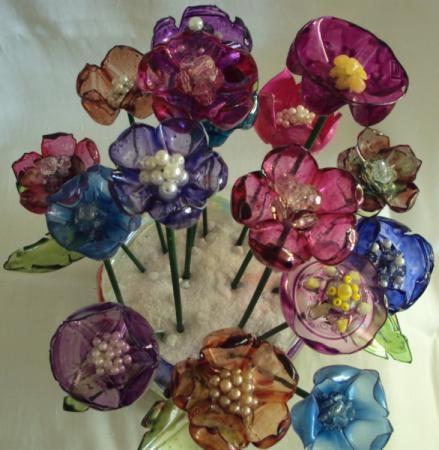 цветы из пластиковых бутылок (32) (439x450, 107Kb)