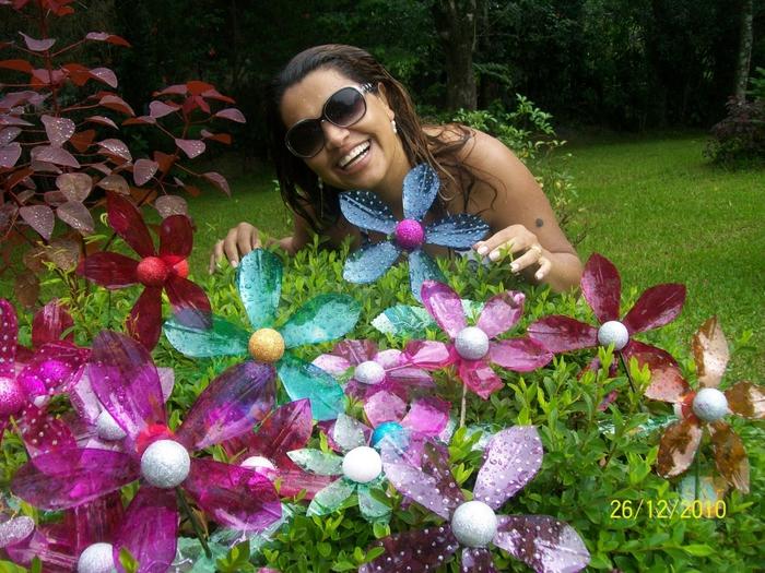 цветы из пластиковых бутылок (36) (700x525, 363Kb)