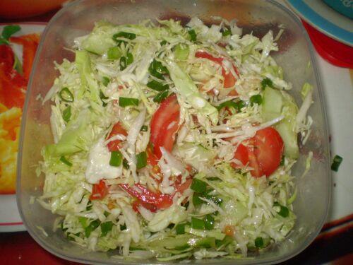 Салат только из свежей капусты рецепт