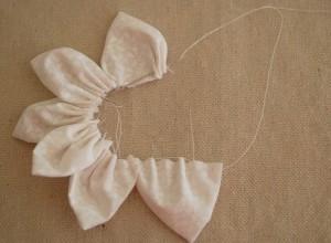 Как сшить цветы из ткани. Мастер-класс (10) (300x220, 34Kb)