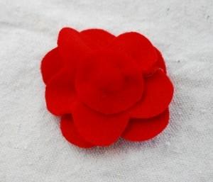 Мастер-классы по созданию цветов из ткани - украшений для маленьких принцесс (55) (300x257, 33Kb)