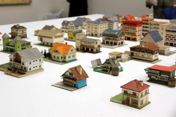 387-model-houses-4[3]