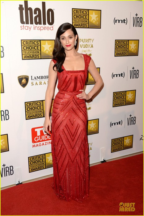 emmy-rossum-elisabeth-moss-critics-choice-television-awards-2013-red-carpet-16 (466x700, 97Kb)