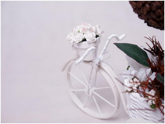 Велосипед из проволоки с кофейным топиарием и корзинкой из газет. Мастер-класс (42) (700x526, 137Kb)