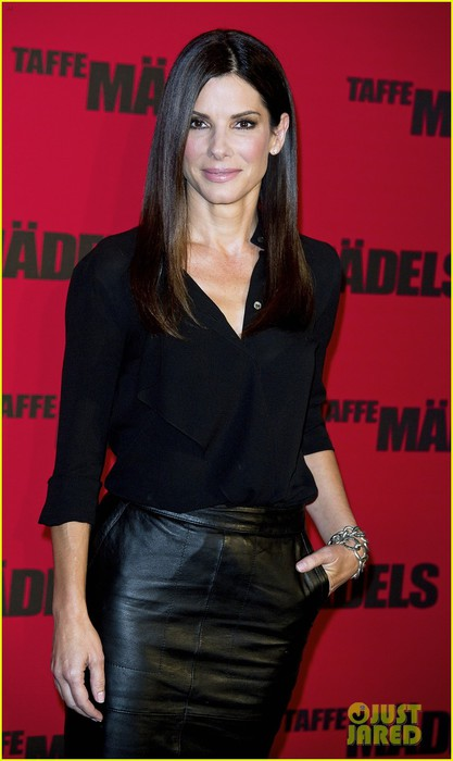 sandra-bullock-the-heat-berlin-photo-call-01 (417x700, 57Kb)
