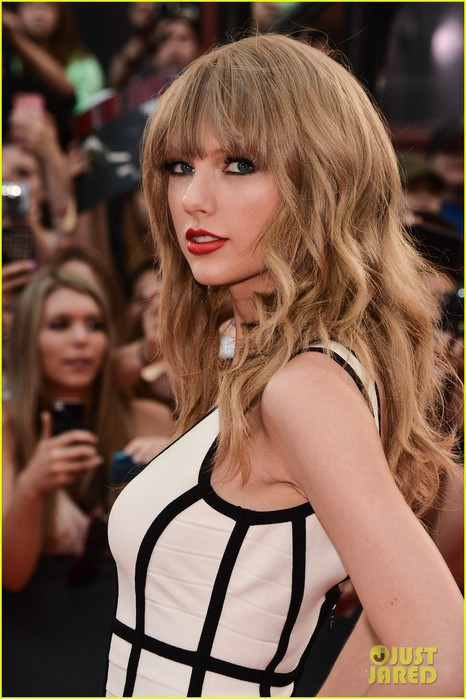 taylor-swift-muchmusic-video-awards-2013-02 (466x700, 87Kb)