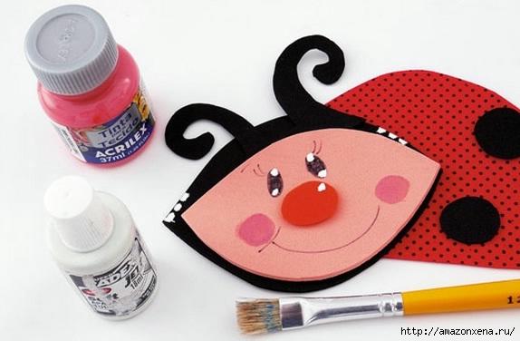 Как своими руками сделать яркие игрушки для малыша. Из вешалки, половников и фоамирана (7) (574x376, 116Kb)