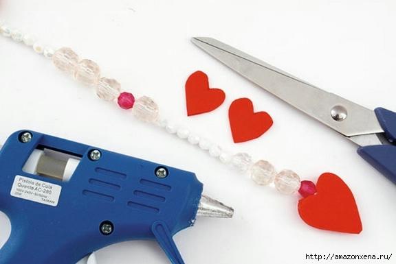 Как своими руками сделать яркие игрушки для малыша. Из вешалки, половников и фоамирана (9) (576x385, 84Kb)