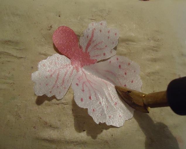 как сделать цветы орхидеи из ткани (5) (635x510, 197Kb)