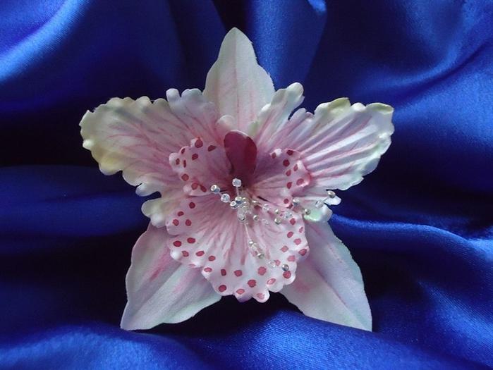 Орхидея из атласной ленты и своими руками 4
