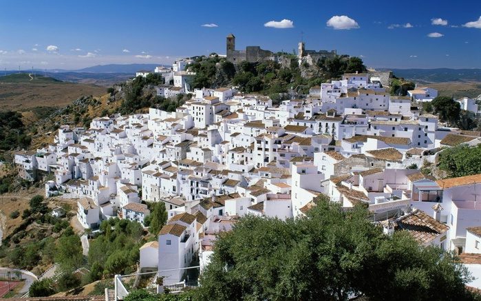casares,-spain-wallpapers_13982_1920x1200 (700x437, 171Kb)