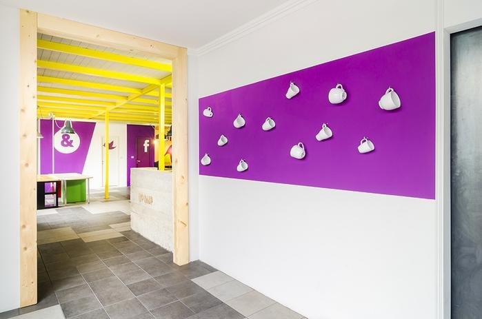 яркий офисный дизайн интерьера 5 (700x463, 180Kb)