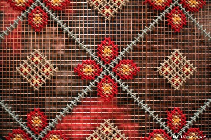 Вышивка на табуретках и на сетке для украшения интерьера (7) (700x466, 408Kb)