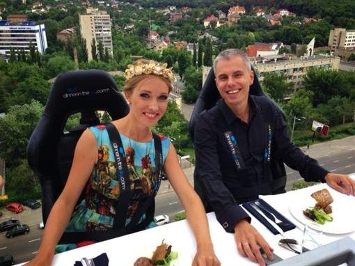 Парящий в небе ресторан Dinner in the Sky открыли в Киеве