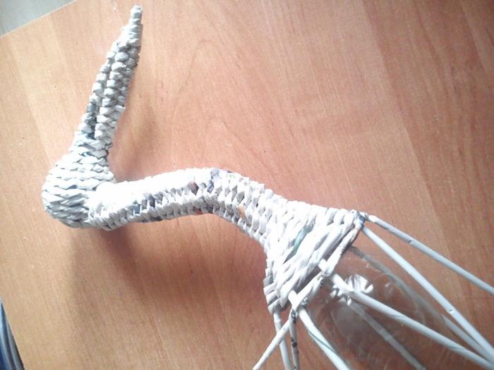 Плетение из газет. АИСТ из газетных трубочек (2) (700x525, 265Kb)