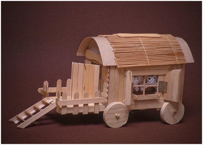 Домик на колесах из картона и палочек от мороженого. МАСТЕР-КЛАСС (57) (700x502, 228Kb)