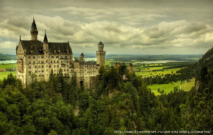 Neuschwanstein-Castle-001 (700x445, 306Kb)