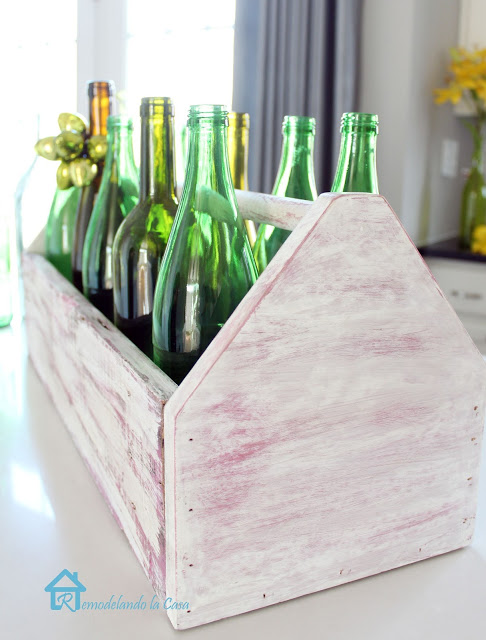 Wooden toolbox with green bottles2 (486x640, 81Kb)