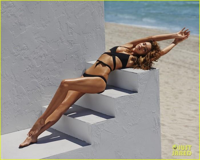 miranda-kerr-bikini-for-the-edits-swimwear-issue-02 (700x559, 83Kb)