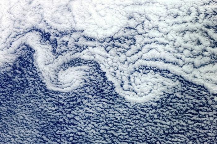 фото земли из космоса 1 (700x466, 323Kb)