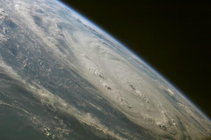 фото земли из космоса 5 (700x464, 200Kb)