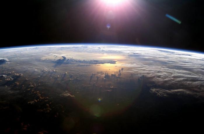 фото земли из космоса 10 (700x458, 144Kb)