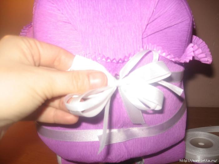 Подарок для новорожденного. КОЛЯСКА ИЗ ПАМПЕРСОВ. Мастер-класс (42) (700x525, 208Kb)