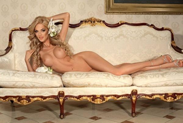 Звезда Playboy решила петь в ВИА Гре